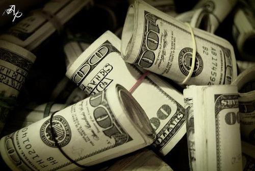 Dolların bahalaşma səbəbi açıqlandı