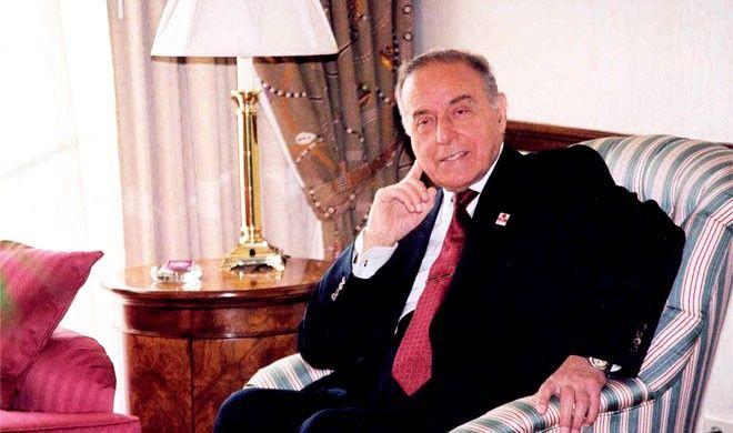 Əliyev tarixçiləri ətrafına toplayıb dedi ki...