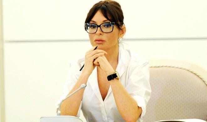 Mehriban Əliyeva yenə ən yaxşılarını gətizdirdi - Video