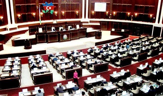 Azerbaijani parliament adopts 2019 draft state budget