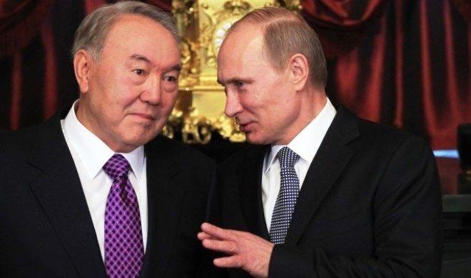 Путин позвонил Назарбаеву