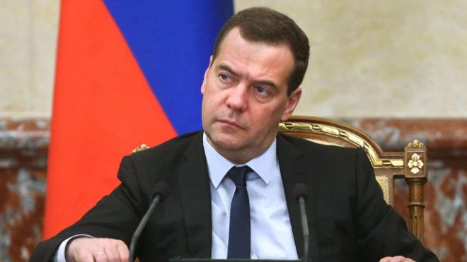 Медведев: Порошенко не хотел мира