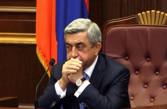 Саргсян еще не решил, идти ли на выборы