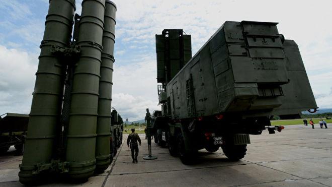 В Кремле отреагировали на ультиматум США по С-400