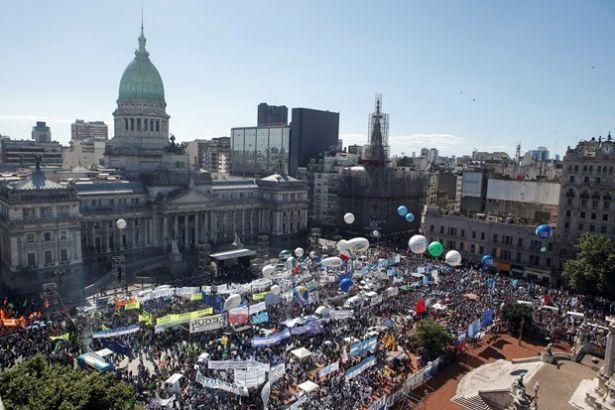 Argentinada güclü zəlzələ
