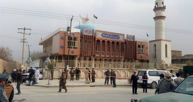 В Афганистане запретили посещать мечети