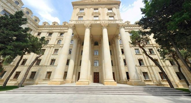 Баку готовит протест Парижу из-за визита Саакяна