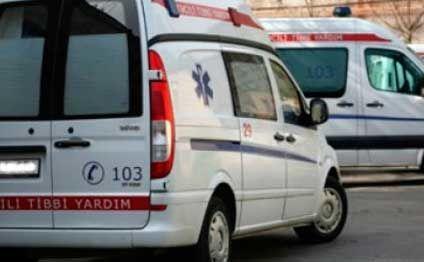 Qaxda iki avtomobil toqquşdu: 3 yaralı
