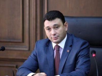 Шармазанов пошел против премьера