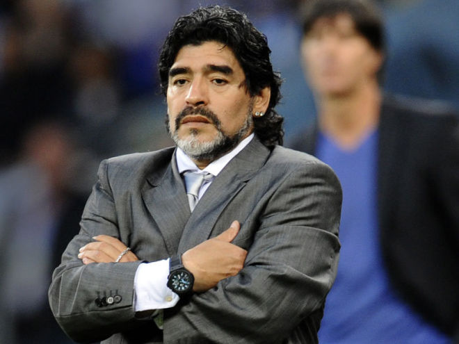 Police raid house and clinic of a doctor of Maradona