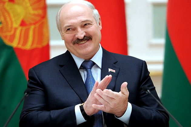 Belarusians invited Lukashenko to swim in the Black Sea
