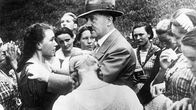 Hitler əxlaqsız qadınlardan necə istifadə edirdi?