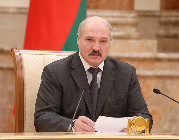 Alexander Lukashenko dismisses government