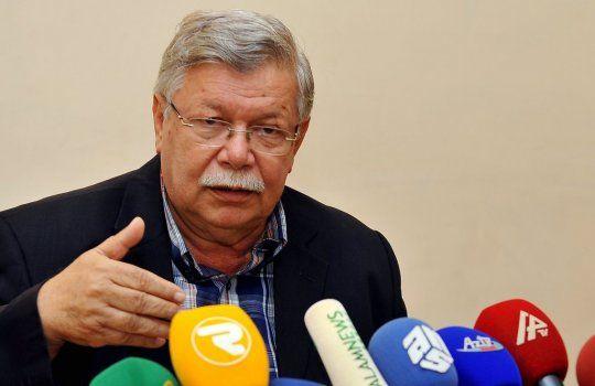 Azər Paşa Nemət yenidən sədr seçildi