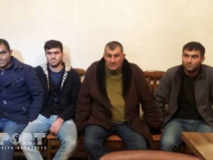 Narkotik satan ailənin 4 üzvü saxlanıldı - Foto