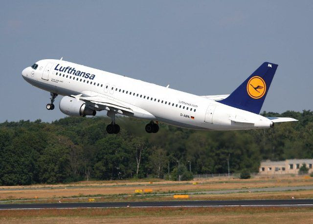 Lufthansa cancels all flights to China over coronavirus