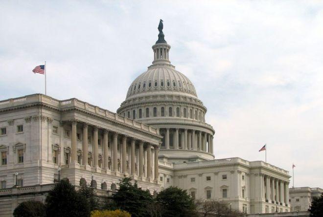 В США принят временный бюджет