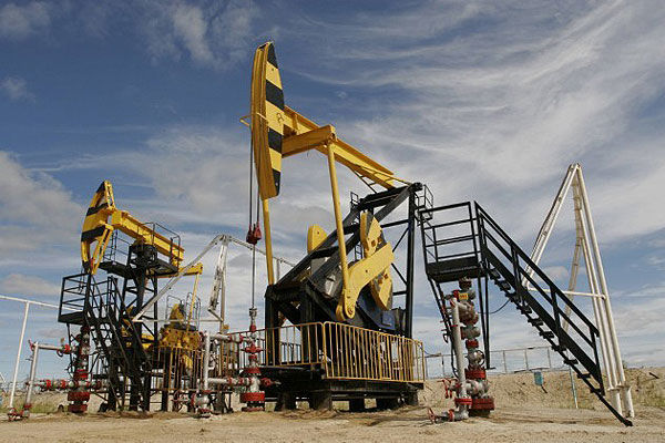 Azerbaijani oil experiences slight drop