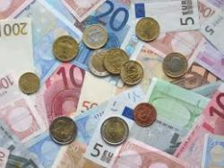 Euro Recovers Losses After Italy's 'No' Vote