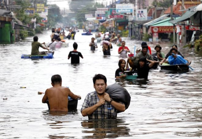 Death toll of Indonesian flood reaches 107