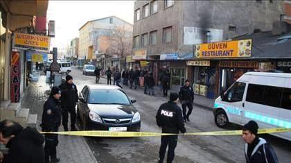 İstanbulda yaşayış binası təxliyə edildi