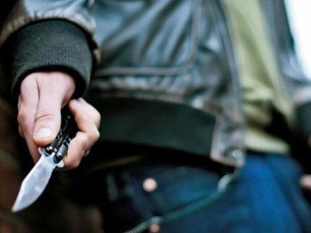 Ucarda ağır cinayət: Ata və oğlu bıçaqlandı