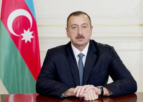 Ильхам Алиев выразил соболезнования Мамнуну Гусейну