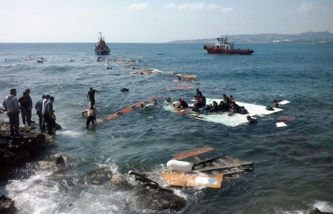 At least 14 migrants dead as boat capsizes in the Aegean