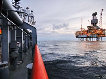 Azerbaijani oil price rises slightly