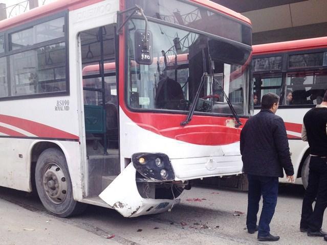 Bakıda sərnişin avtobusu piyadanı vuraraq öldürdü