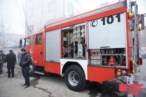 Bakıda bina yanğını: Sakinlər təxliyyə edildi
