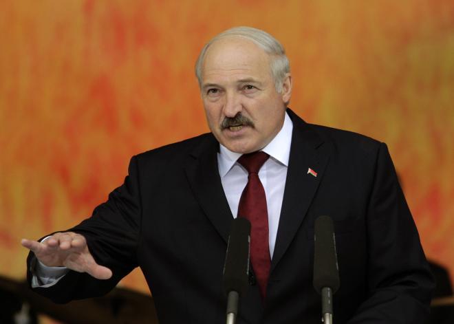 Lukaşenko: Bu ölkədə xoruz kimi gəzənlər…
