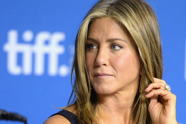 Jennifer Aniston surprises 'Friends' fans