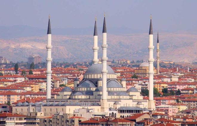 Number of COVID-19 cases in Turkey continues to drop