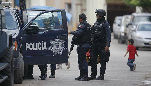 Тела 4 полицейских найдены в реке в Мексике