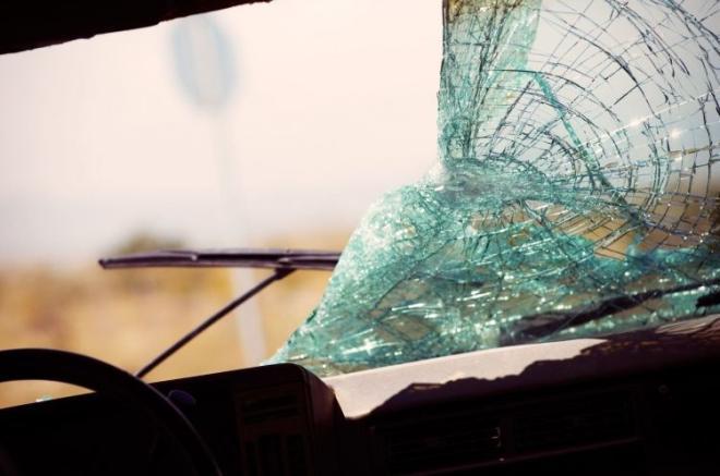 Şəmkirdə yük avtomobili aşdı: 5 ton kartof yola dağıldı