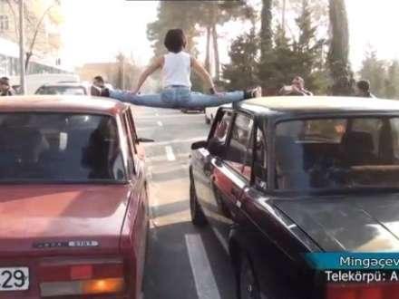 Mingəçevirli Van Damma belə meydan oxuyur - Video