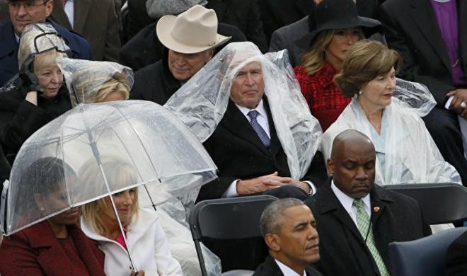 Битва Буша с дождевиком - Фото