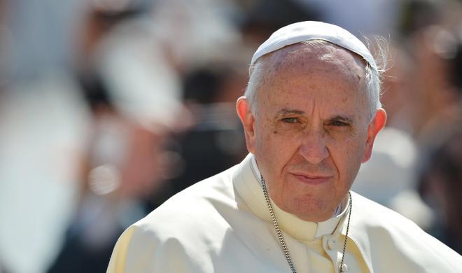 Папа Римский молится, чтобы Трамп...