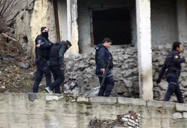 Türkiyə sərhədində terrorçular 2 milyonla saxlanıldı