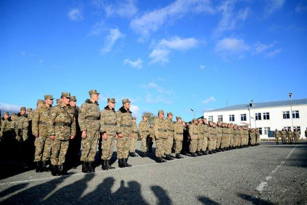 Армянский командир пригрозил солдатам: я вас сломаю - Видео