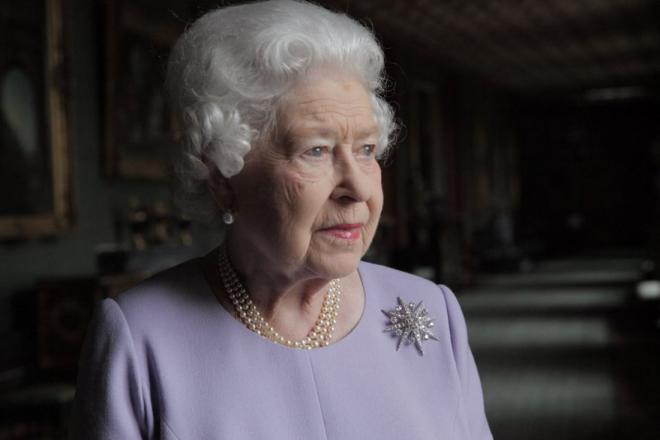 Елизавета II вернулась к исполнению обязанностей