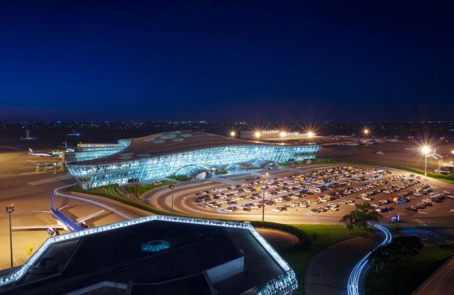 В Баку совершил аварийную посадку самолет из Мумбаи