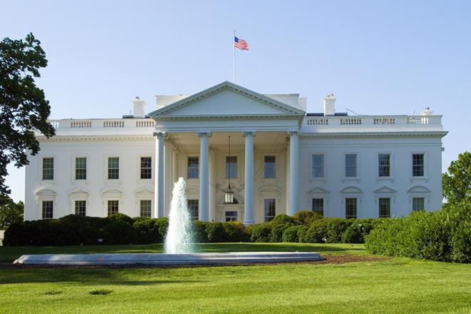 Белый дом останавливает работу федерального правительства