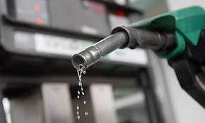 Iranian Ministry of Petroleum, sign contracts worth $1B