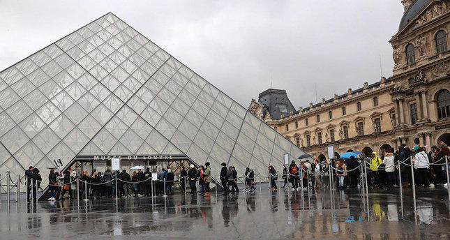 Paris Louvre museum to reopen on July 6
