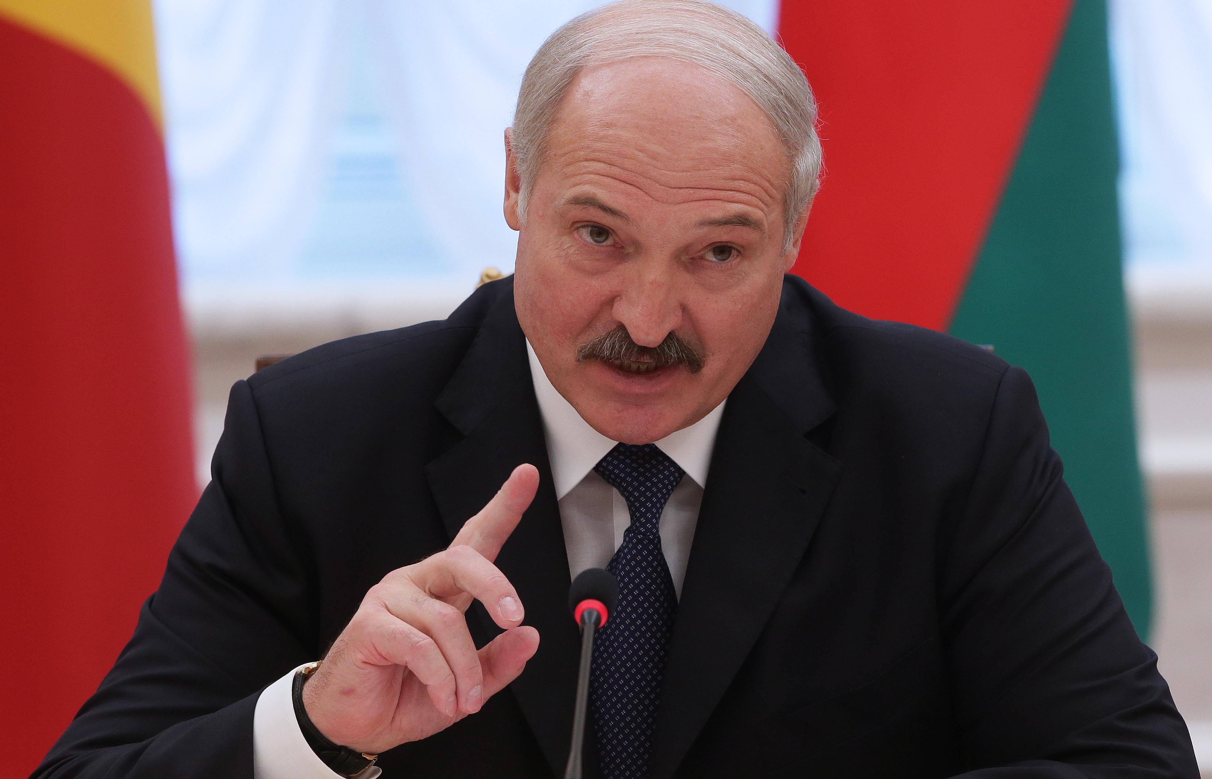 Lukaşenko Kiyevin axtardığı admirala sığınacaq verdi