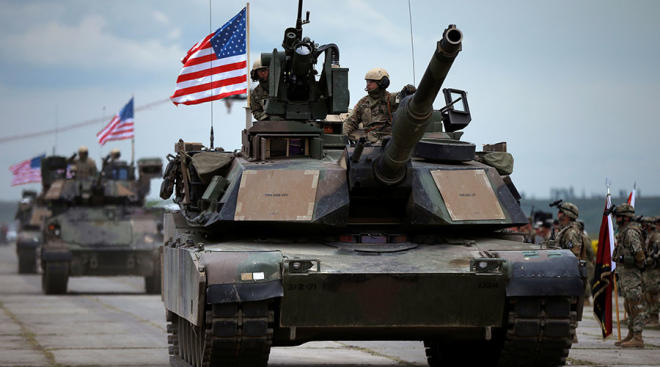 The US deploys tanks on the border with Russia