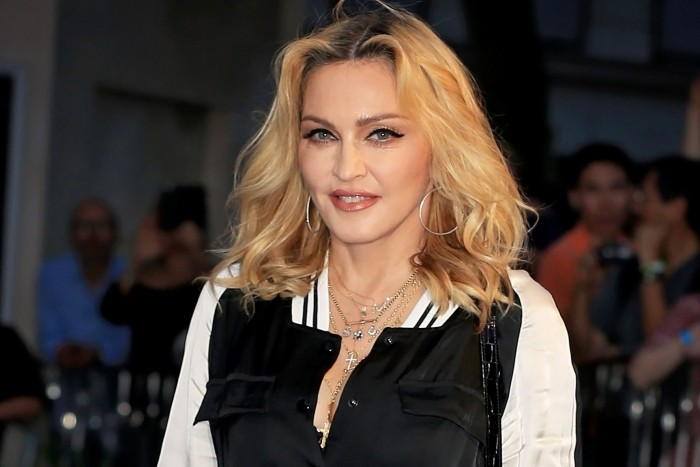 Madonna donates $1 million to fund to create a vaccine