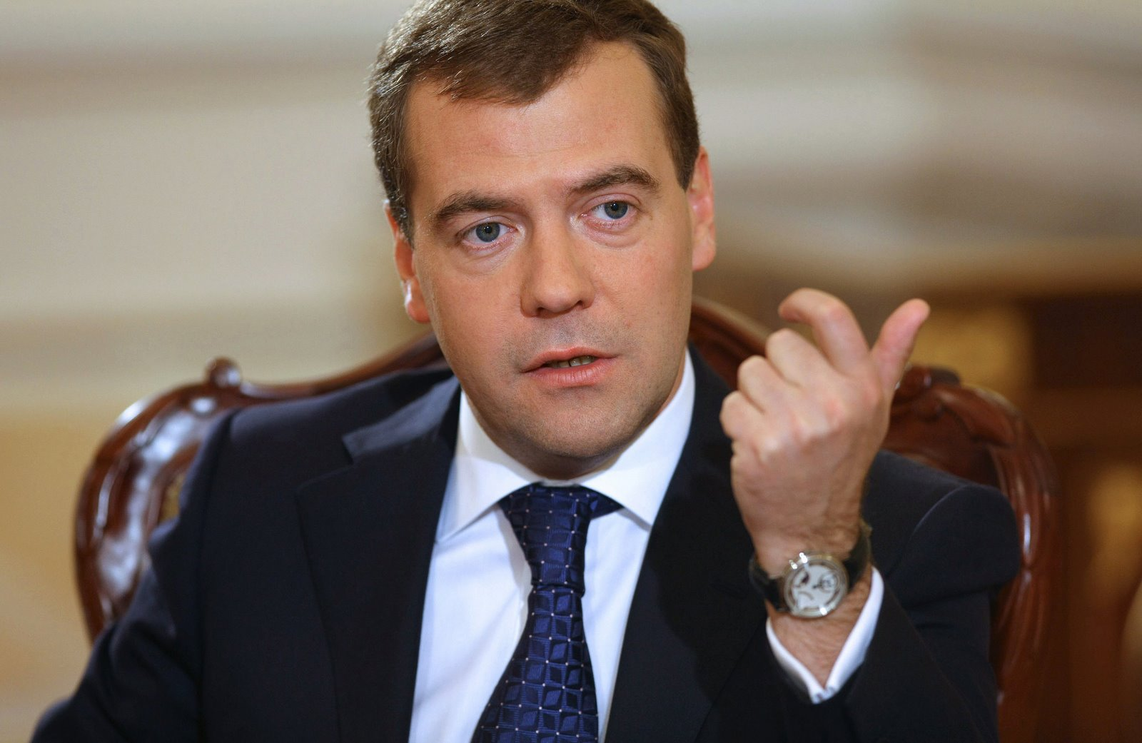 Russia's PM comments on Ukraine presidential election